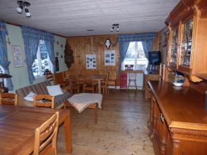 Nya Skogsgården Hostel, Hostelek  Mårbacken - big - 25