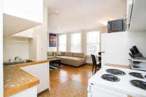 112 Myrtle St #9 by Lyon Apartments, Apartments  Boston - big - 47