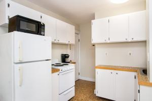 112 Myrtle St #9 by Lyon Apartments, Apartments  Boston - big - 49