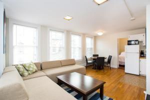 112 Myrtle St #9 by Lyon Apartments, Apartments  Boston - big - 34
