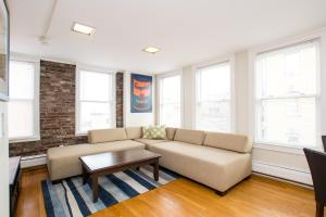 112 Myrtle St #9 by Lyon Apartments, Apartments  Boston - big - 33