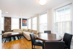 112 Myrtle St #9 by Lyon Apartments, Apartments  Boston - big - 30