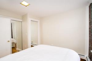 112 Myrtle St #9 by Lyon Apartments, Apartments  Boston - big - 39