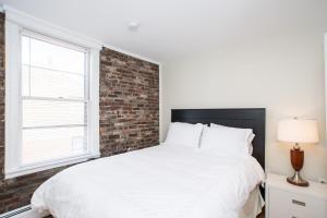 112 Myrtle St #9 by Lyon Apartments, Apartments  Boston - big - 42