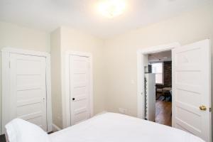 112 Myrtle St #9 by Lyon Apartments, Apartments  Boston - big - 43
