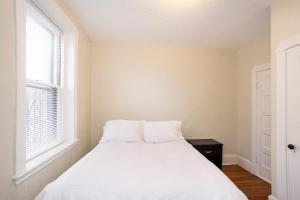 112 Myrtle St #9 by Lyon Apartments, Apartments  Boston - big - 46