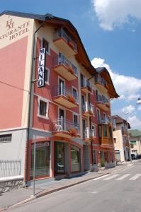 Hotel Milano, Hotely  Asiago - big - 54