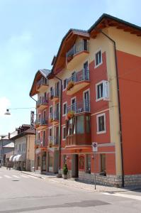 Hotel Milano, Hotely  Asiago - big - 55