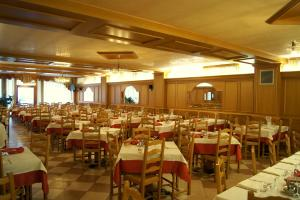 Hotel Milano, Hotely  Asiago - big - 58