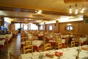 Hotel Milano, Hotely  Asiago - big - 62