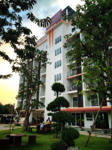 Taweesuk Residence - Ban Khlong Krathum Baen
