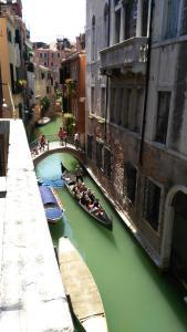 Balcone sul canale - AbcAlberghi.com