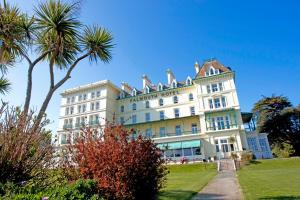 Picture of Falmouth Hotel