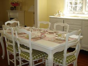 Cape House Bed and Breakfast, Bed and Breakfasts  Niagara on the Lake - big - 24