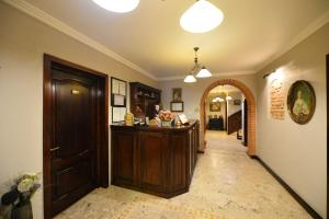 Pensiunea Antique, Penzióny  Târgu Jiu - big - 15