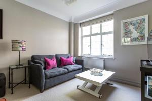 onefinestay - South Kensington private homes III, Апартаменты  Лондон - big - 72