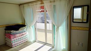 Yours Guesthouse in Tongyeong, Vendégházak  Thongjong - big - 14