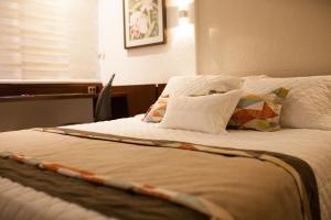 Hotel Cortez, Отели  Санта-Крус-де-ла-Сьерра - big - 2