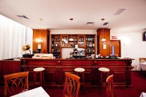 Hotel Maxim, Отели  Орадя - big - 33