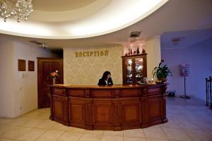 Hotel Maxim, Отели  Орадя - big - 23