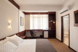 Hotel Cortez, Отели  Санта-Крус-де-ла-Сьерра - big - 4
