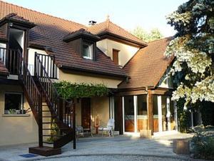 Location gîte, chambres d'hotes Chambres d'Hôtes Au Bout du Champ dans le département Territoire de Belfort 90