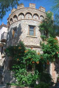 Lesvos Tower House Komninos, Виллы  Sígrion - big - 28