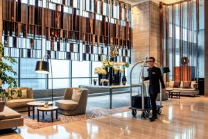Hilton Jinan South Hotel & Residences, Hotely  Ťi-nan - big - 3