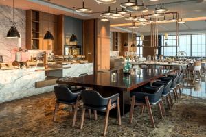 Hilton Jinan South Hotel & Residences, Hotely  Ťi-nan - big - 48