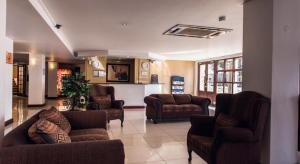 Airport Inn and Suites
