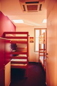 Pura Vida Sky Bar & Hostel, Hostelek  Bukarest - big - 33