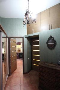 Luxury Apartment near Cascade, Apartments  Yerevan - big - 4