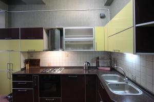 Luxury Apartment near Cascade, Apartments  Yerevan - big - 17