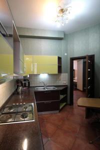 Luxury Apartment near Cascade, Apartments  Yerevan - big - 18