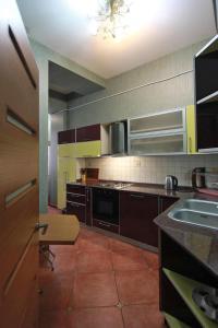 Luxury Apartment near Cascade, Apartments  Yerevan - big - 19