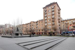Luxury Apartment near Cascade, Apartments  Yerevan - big - 31