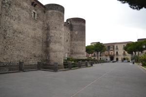 Castello Ursino Apartments - AbcAlberghi.com