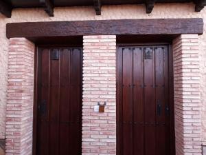Los Montes, Kúriák  Casas de Miravete - big - 22