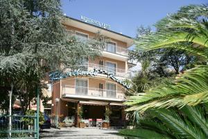 Residence Hotel Kriss - AbcAlberghi.com