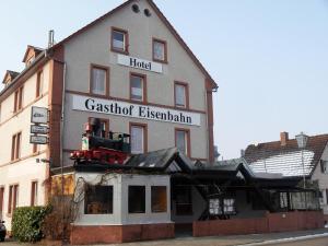 Hotel-Gasthof-Destille-Eisenbahn - Fahrenbach