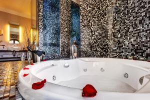 Dharma Luxury Hotel - Rome