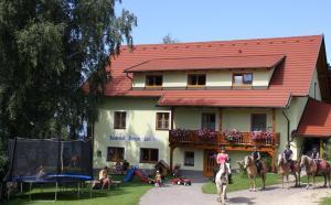 Bauernhof Pension Juri - Apartment - Obergösel