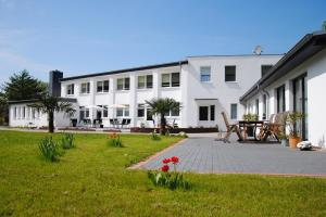 Appartementanlage-Ferienwohnungen Weiße Möwe, Apartments  Sassnitz - big - 1