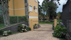 Apartamento 01 dormitório no Centro de Gramado, Апартаменты  Грамаду - big - 22