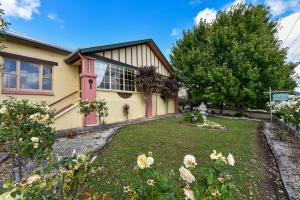 Triune House Bed & Breakfast