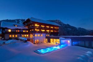 Ruhehotel & Naturressort Rehbach - Adults only - Hotel - Zöblen