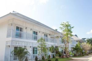 Moeimanee Resort - Tha Song Yang