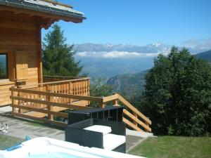 Stunning Mountain View Chalet and Jacuzzi in Les Collons - Hotel - Thyon les Collons