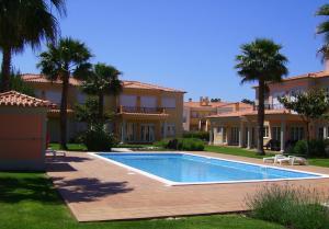 Praia DEl Rey Luxury Apartment