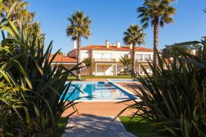 Praia del Rey Holiday House